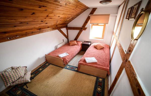 Pokój z 2 łóżkami pojedynczymi na Piętrze